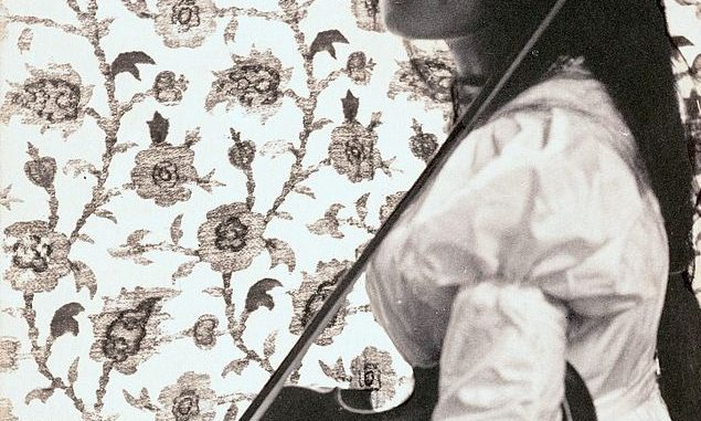 Gertrude Simmons Bonnin