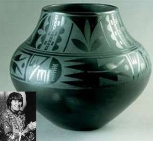Maria_Martinez_black-on-black_pottery.jpg